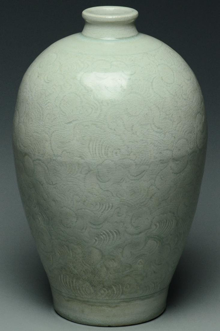 SONG DYNASTY QINGBAI BOYS MEIPING VASE AND STAND - 7