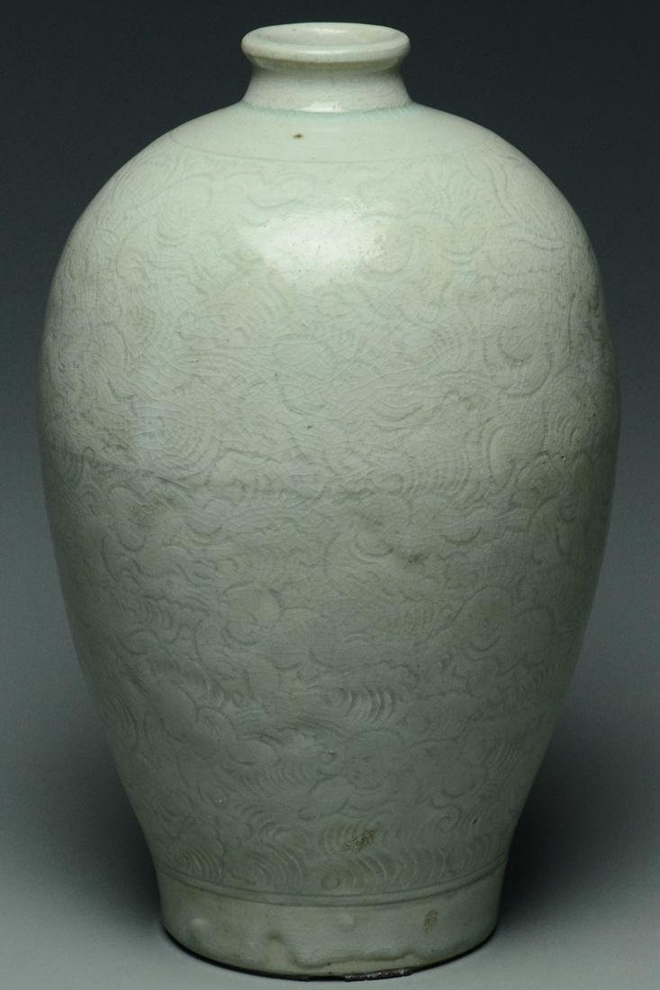 SONG DYNASTY QINGBAI BOYS MEIPING VASE AND STAND - 9