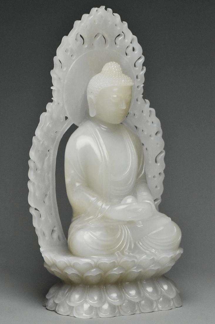 A QING DYNASTY WHITE JADE FIGURE OF BUDDHA 18TH C - 2