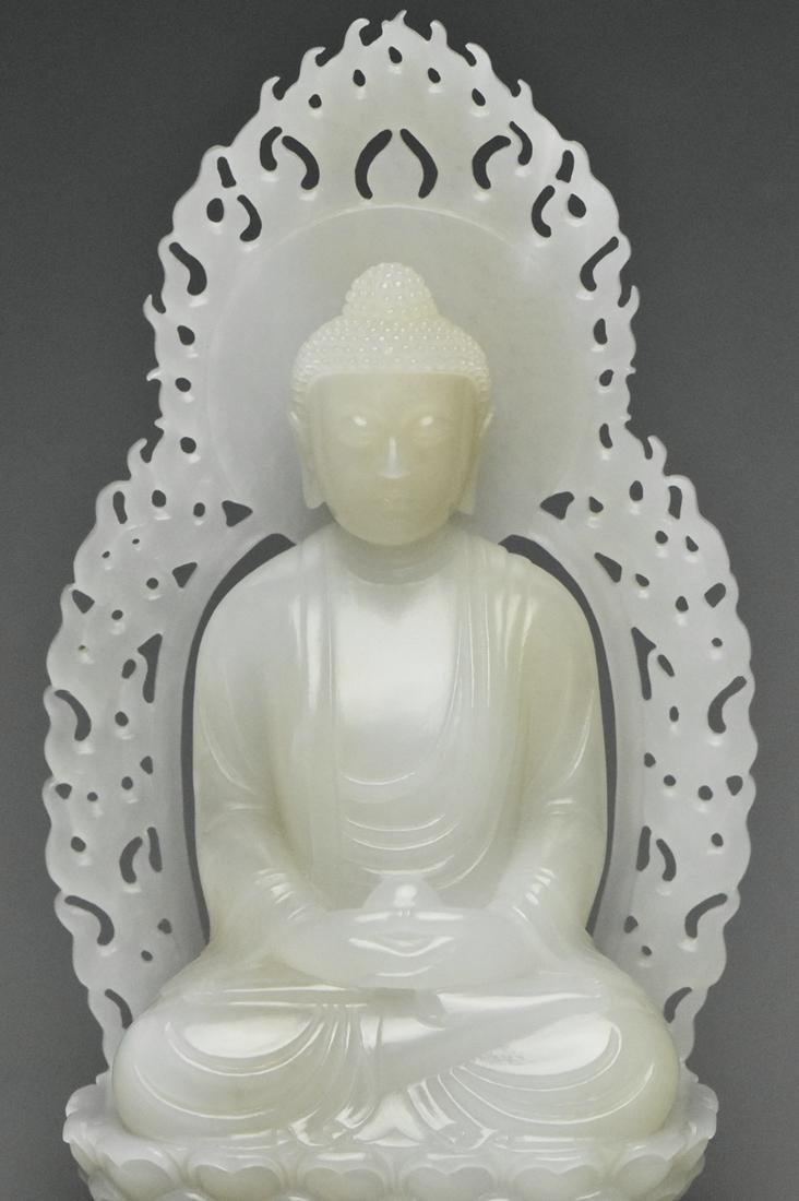 A QING DYNASTY WHITE JADE FIGURE OF BUDDHA 18TH C - 5