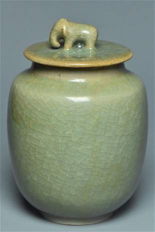 A SONG DYNASTY LONGQUAN CELADON JAR AND COVER