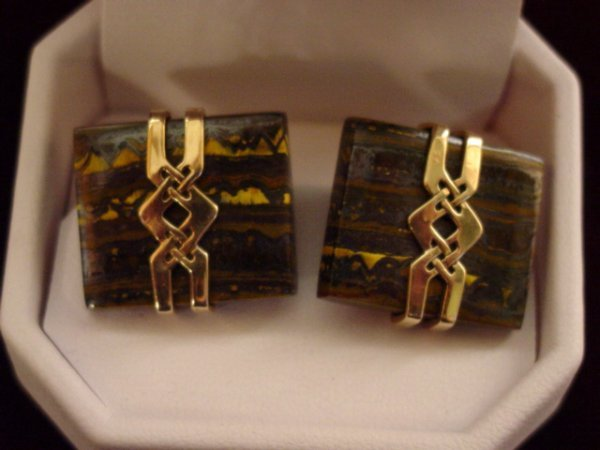 22A: MEN'S ANTIQUE CUFFLINKS W/ DINOSAUR BONE 14K GOLD