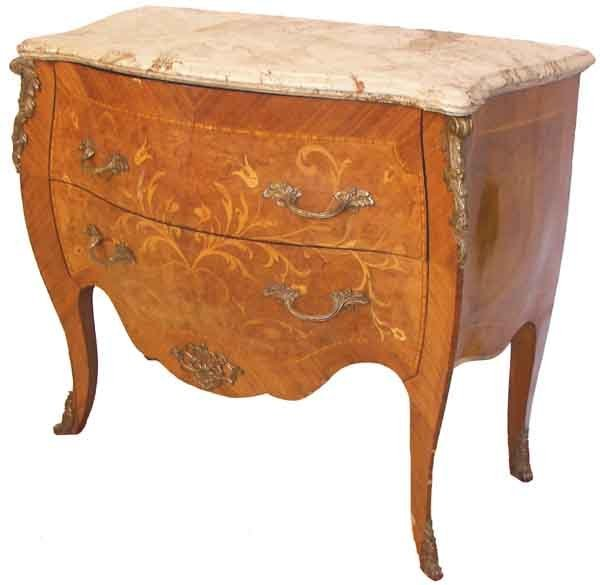 24: Fr. inlaid m/t commode w/serpentine front,sides