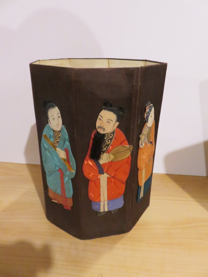 Old Chinese hat Box - extremely detailed - Real hair
