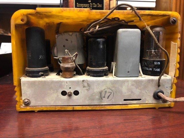 RCA 9-sx little nipper catalin radio - 3