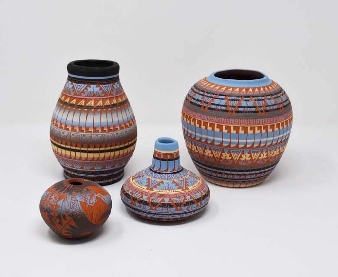 4 Navajo pottery vases