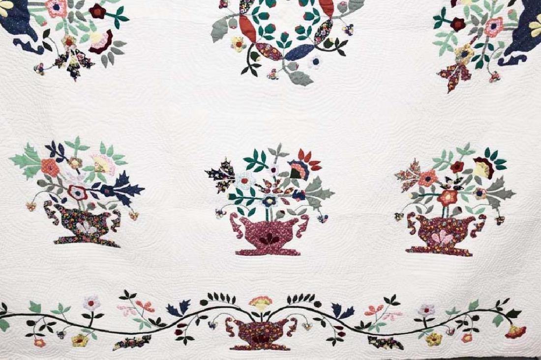 Hand stitched applique Amish quilt - 3