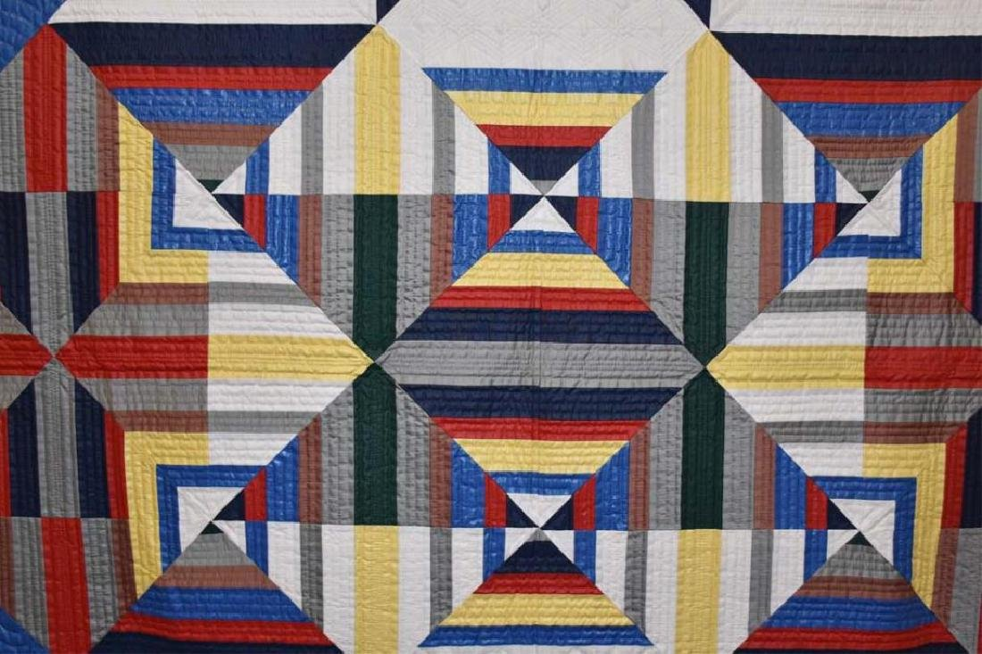 Hand stitched Amish quilt - 3