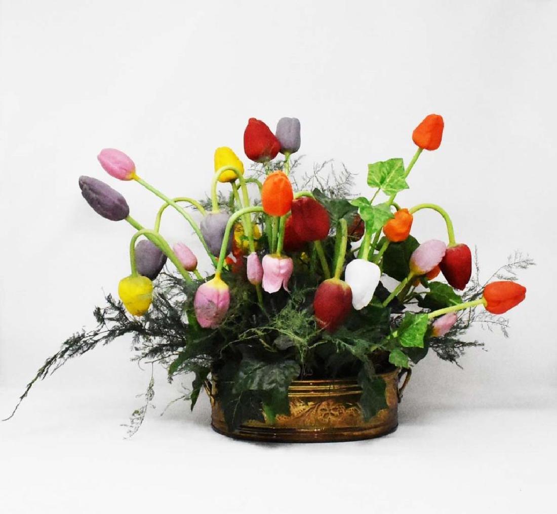 Arrangement of glass flowers