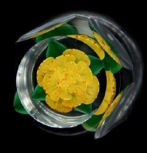 John Choko 1973 Yellow Flower Faceted Paperweight - 4