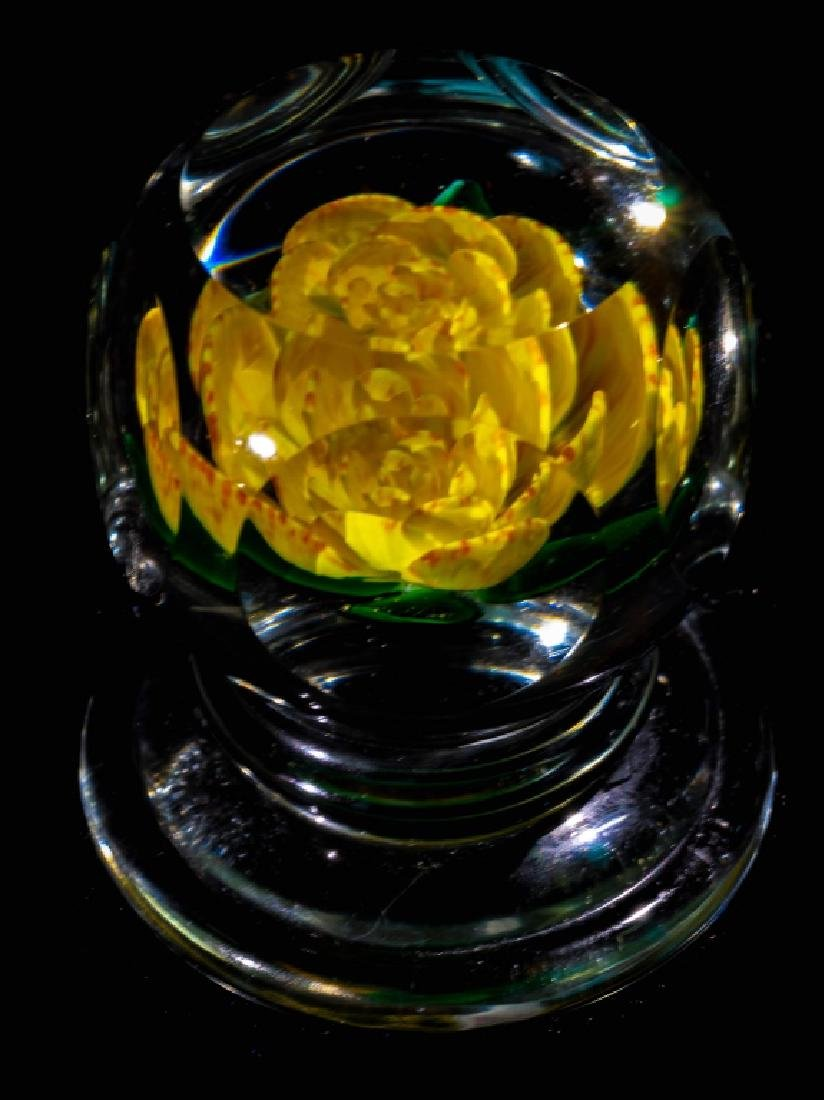 John Choko 1973 Yellow Flower Faceted Paperweight - 6