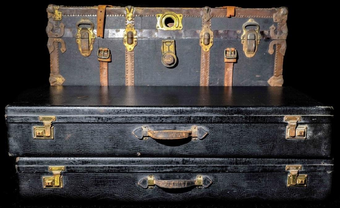 Vintage Trunk And 2 Alligator Luggage - 2