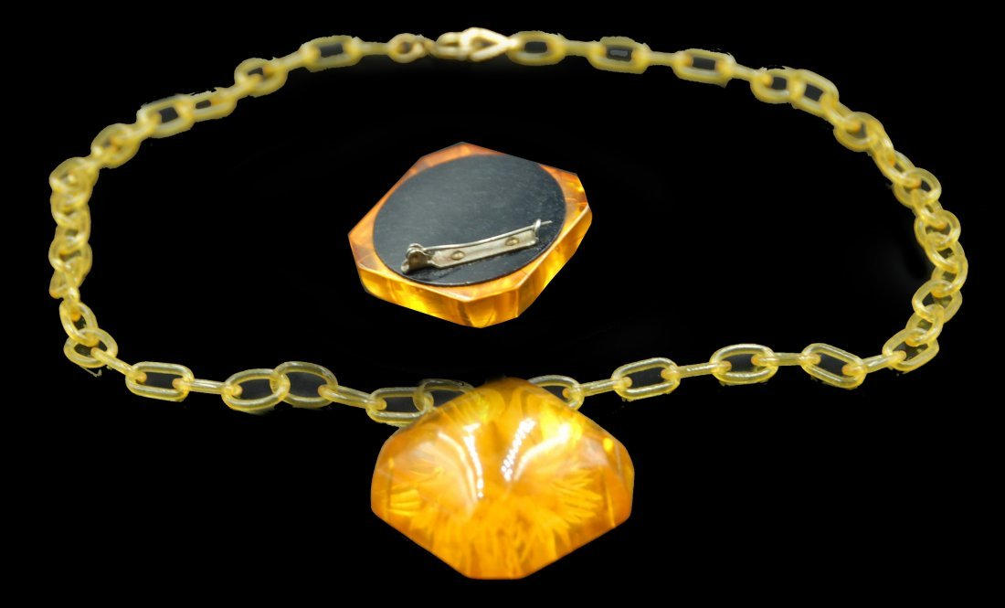 Lucite And Bakelite Juicy Necklace And Pin - 2
