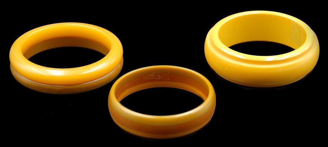 3 Bakelite Bangle Bracelets Multicolored - 2