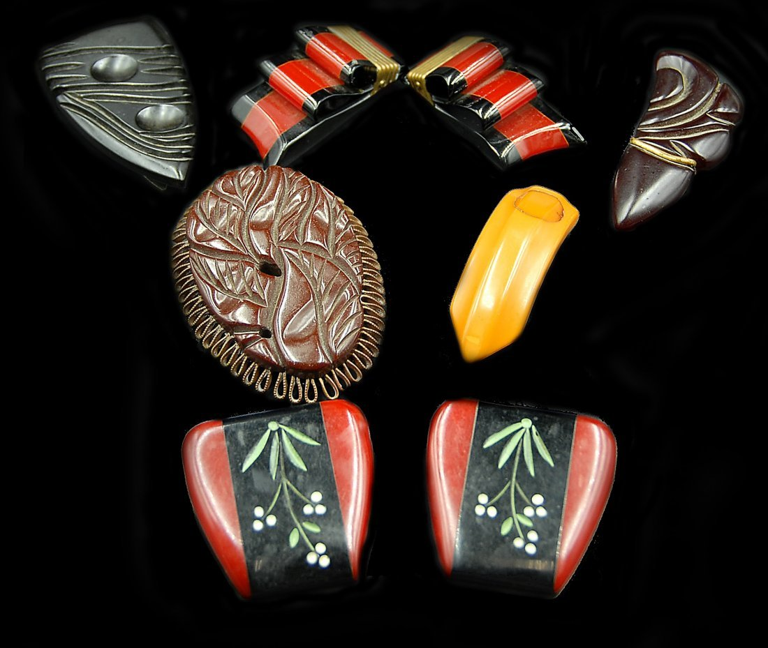 6 Bakleite Buckles 2 Red And Balck Sets Others Loose