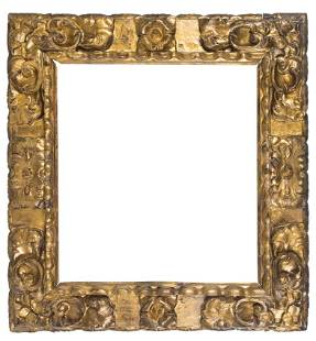 Carved and gilded Spanish wooden frame. 17th century.