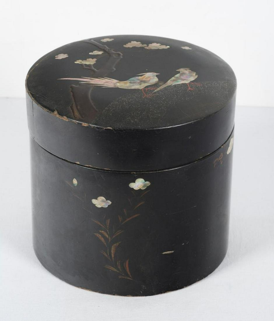 A 19th century Japanese tobacco box from Meiji period