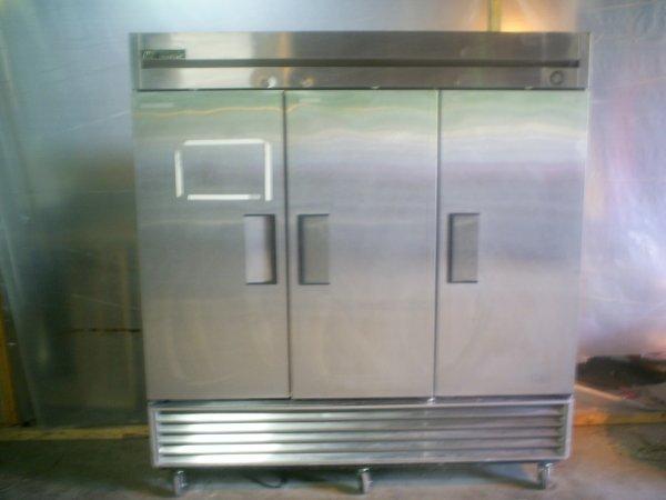 115: True 3 Door Freezer