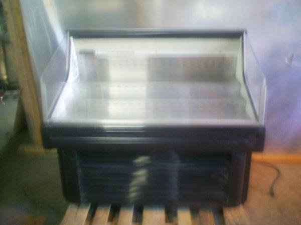 15: 4' Hussman Cooler Open Case