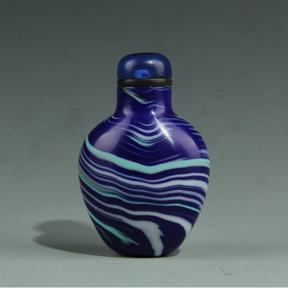 BLUE PEKING GLASS SNUFF BOTTLE