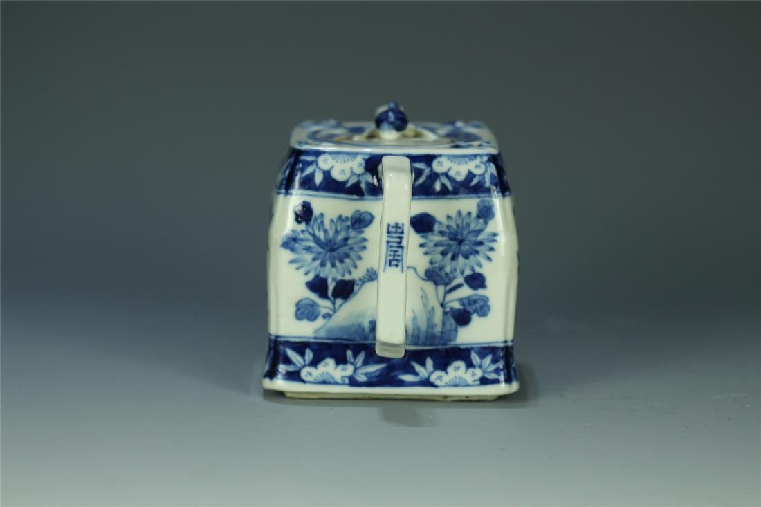 CHINESE PORCELAIN BLUE AND WHITE FLOWER TEA POT - 2