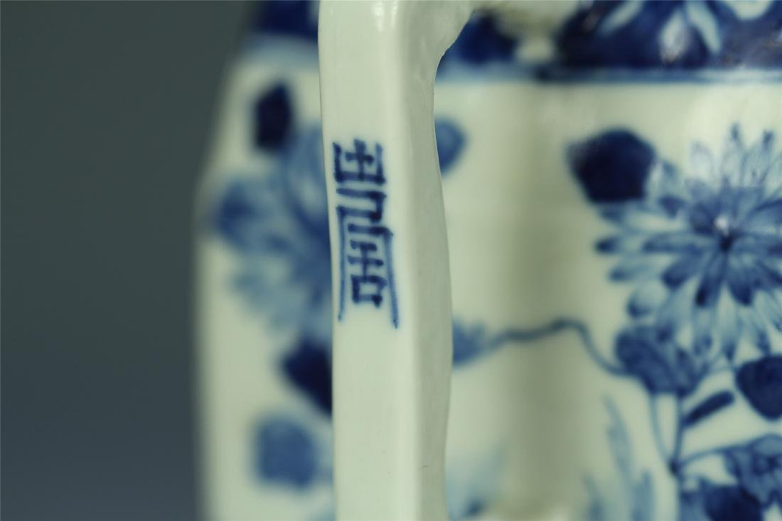 CHINESE PORCELAIN BLUE AND WHITE FLOWER TEA POT - 7