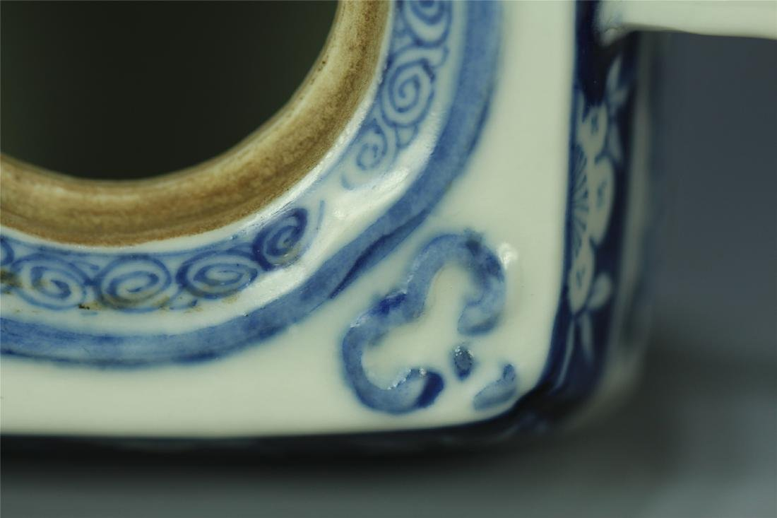 CHINESE PORCELAIN BLUE AND WHITE FLOWER TEA POT - 9