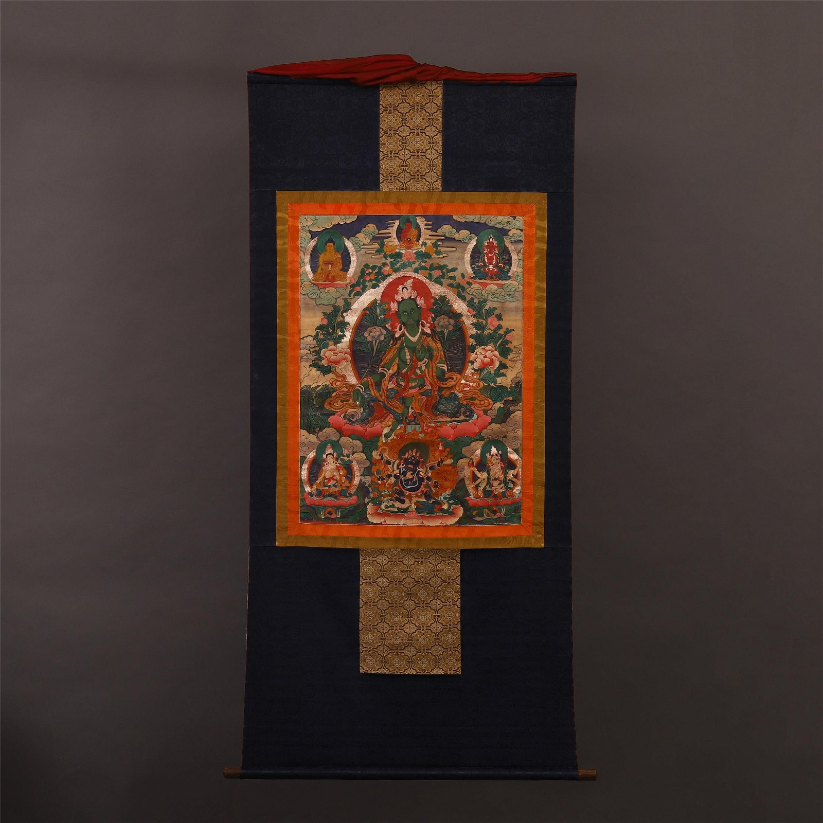 TIBETAN THANGKA OF SEATED BUDDHA
