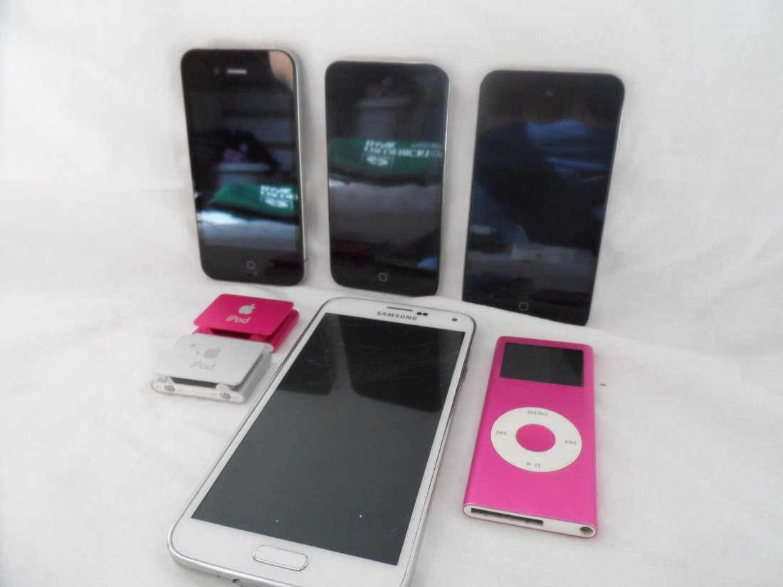 Iphone, Ipod, Apple Nano, Phone Grouping of 7