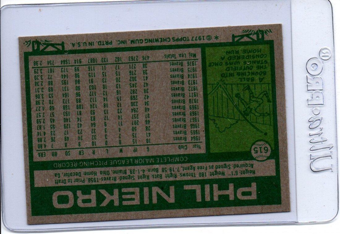 1977 Topps Phil Niekro Baseball Card Sports - 2
