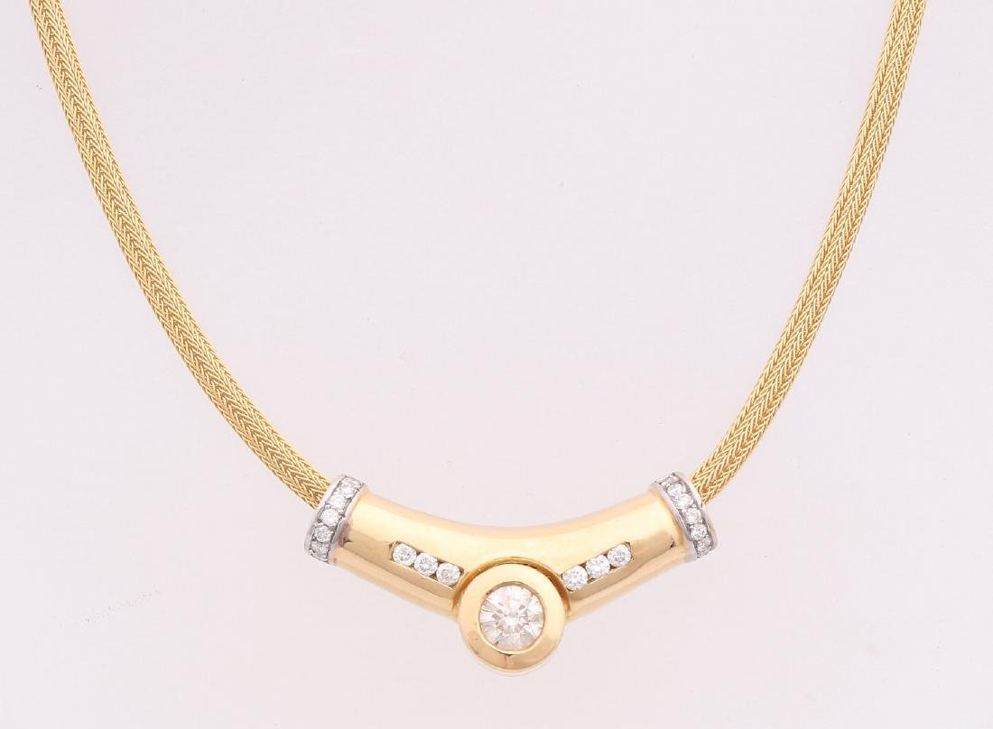 Elegant yellow gold choker, 750/000, with diamonds.