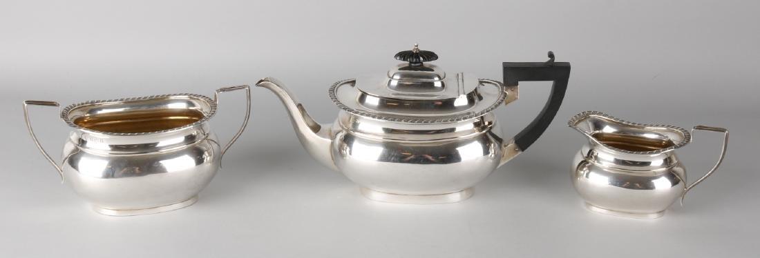 Silver tea service, 925/000, English, consisting of a tea jug, milk jug and suga