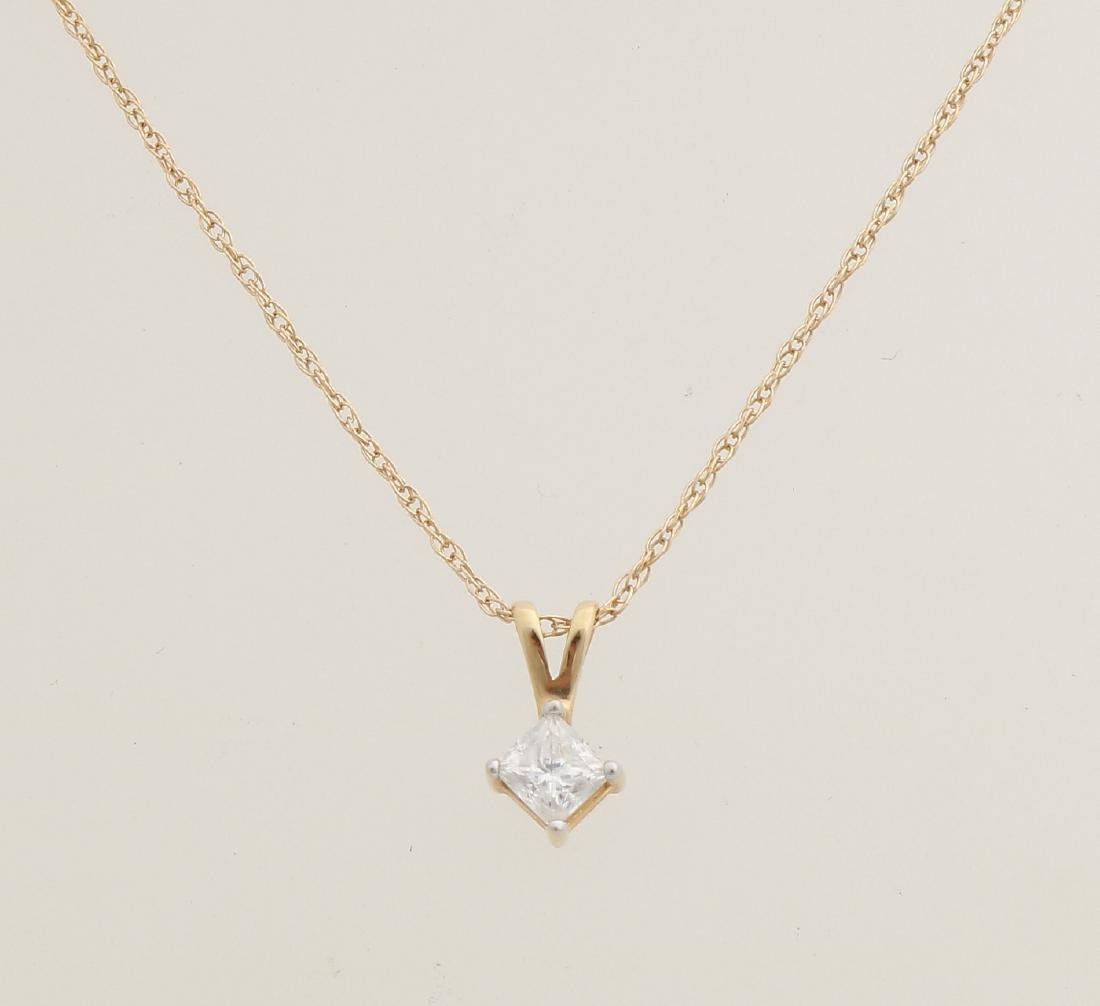 Yellow gold necklace and pendant, 585/000, with diamond. Fine twisted necklace w