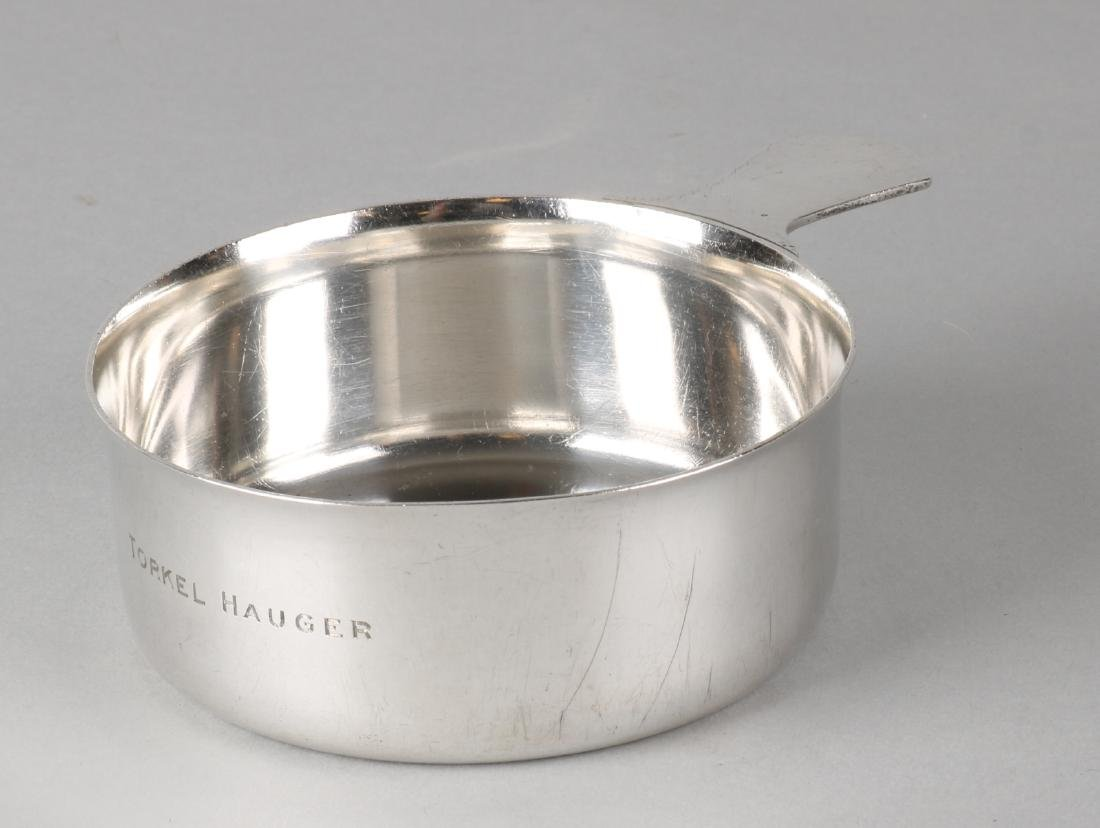 Silver tray with stem, 925/000, Tiffany & Co, with engraving on the side. MT .: