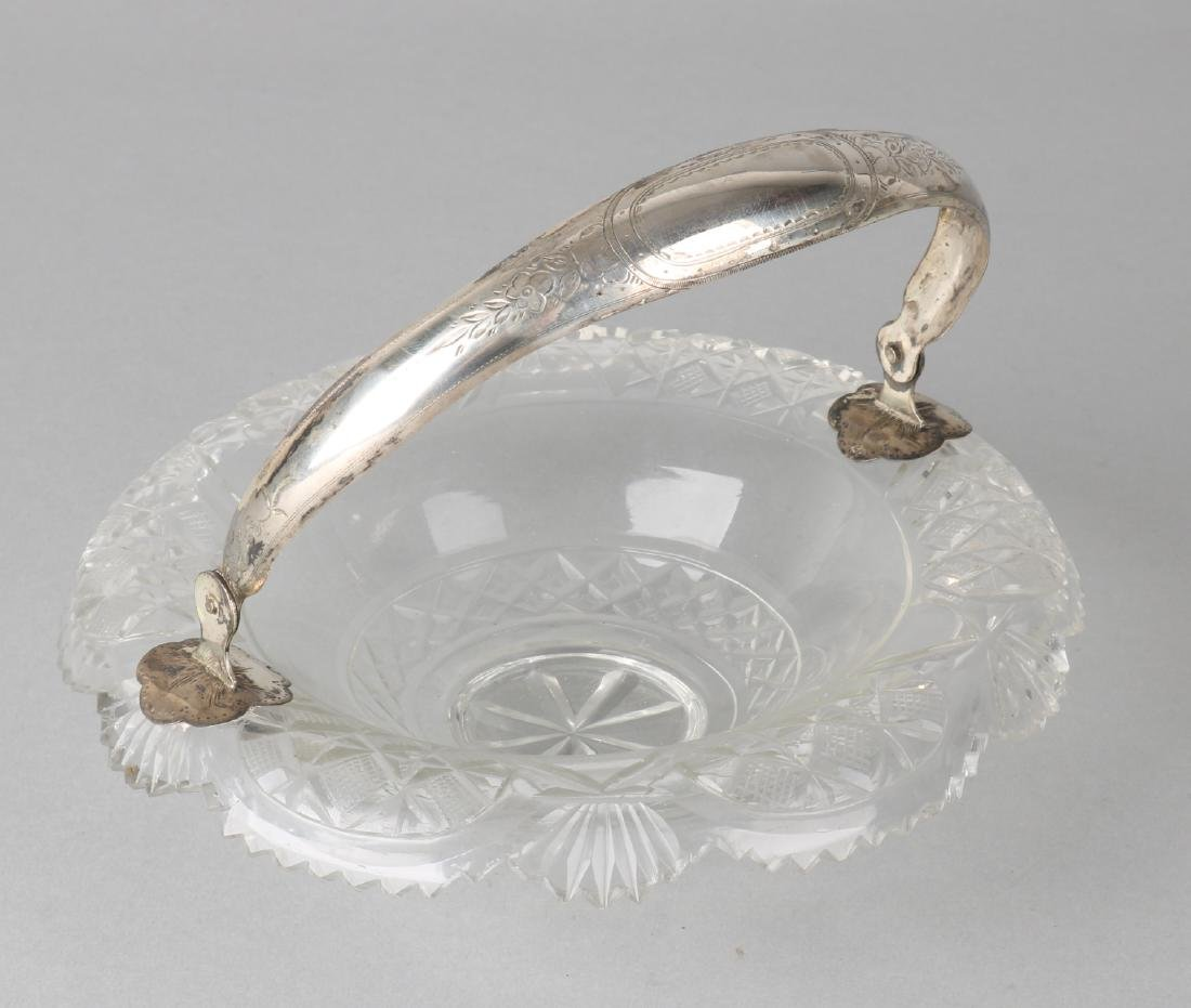 Crystal bowl with silver handle, 835/000. Crystal round bowl with turned scallop
