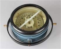 Rare pre-war double-sided ship's compass. LJ Harri - Amsterdam. Size: 13 x 29 cm