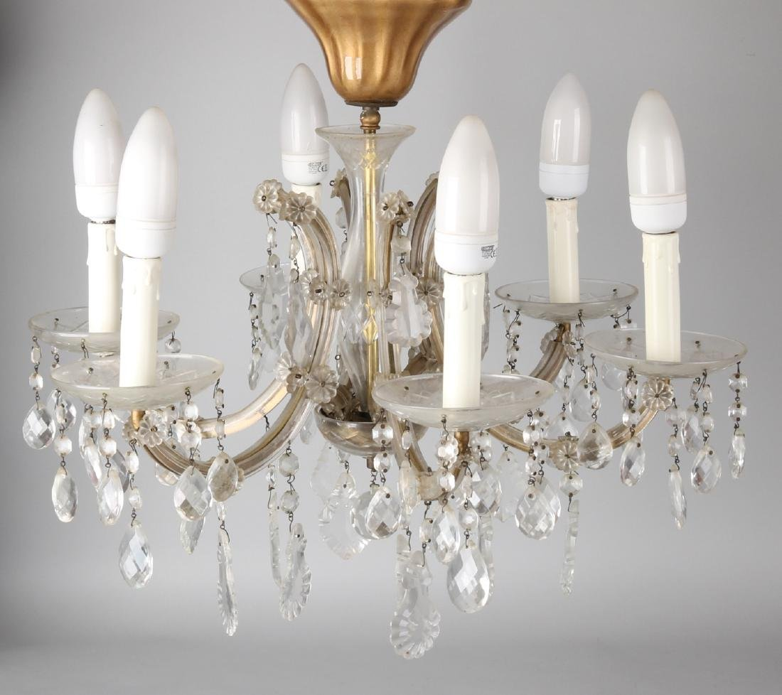 Crystal glass chandelier. 20th century. Size: 70 x 75 cm ø. In good condition.