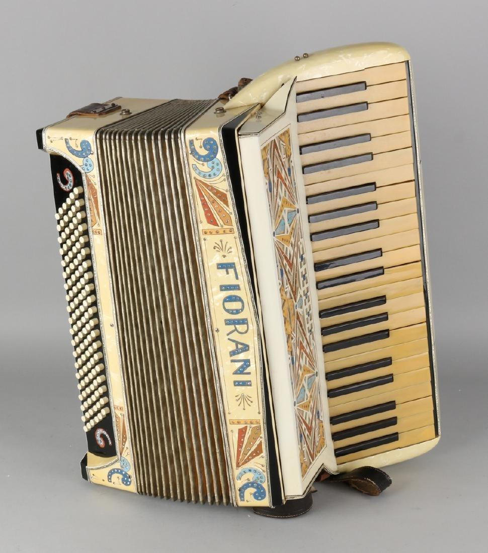 Large antique 'Fiorani' accordion in original suitcase. 120 Basser. Circa 1920 -