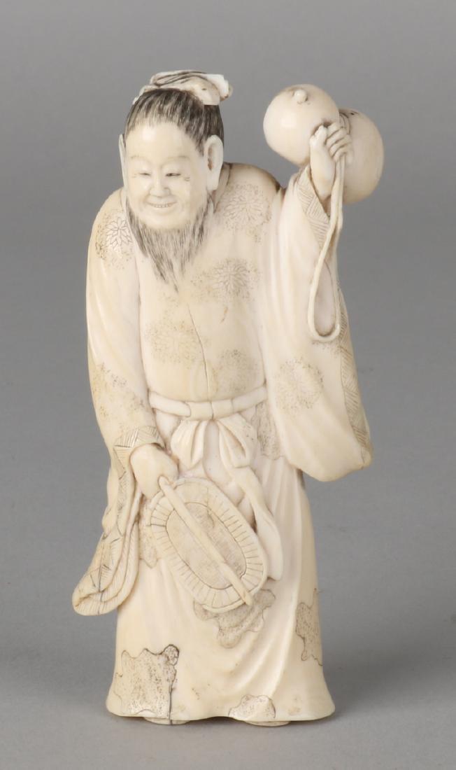 Antique Japanese ivory Okimono. Old man with gourd. 19th century. Size: 11 cm. I