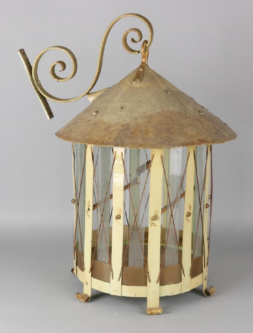 Antique wrought iron bird cage with hanging arm + glass. Circa 1920. Size: 60 x