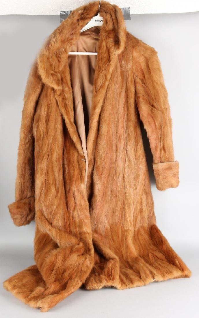 Old fur coat of red fox. Size: 115 cm. In good condition.