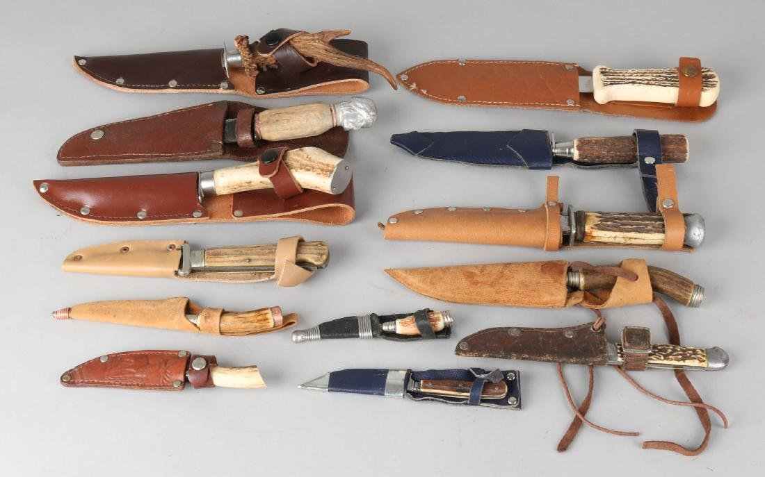 Lot various old / antique hunting knives. 20th century. Size: about 10 - 23 cm.