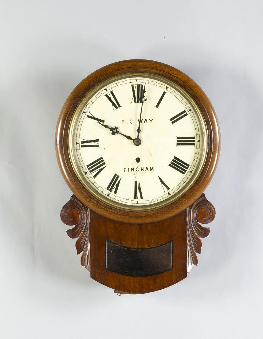 Antique English mahogany pub clock. Circa 1920. Size: 53 x 37 x 13 cm. In good c