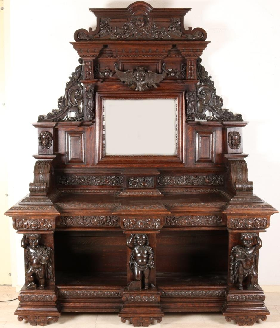 Capitale antique 19th century oak Neo-Renaissance, Italian style sculpture cabin