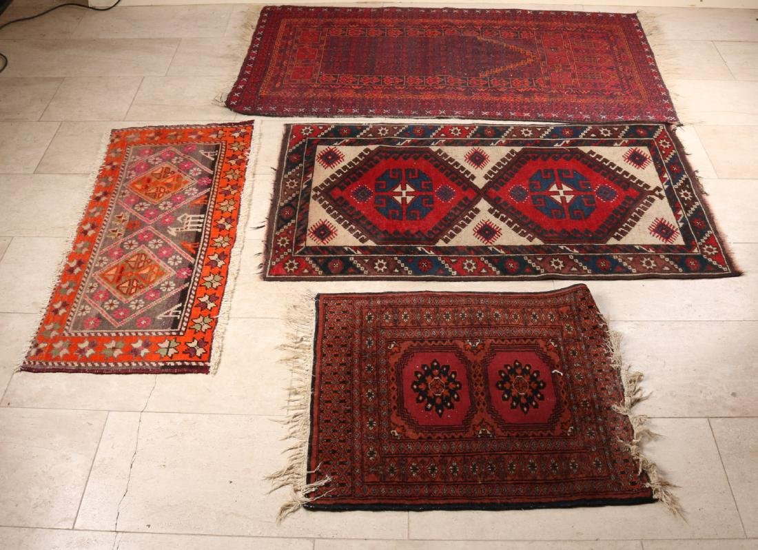 Five smaller old Persian rugs. Size: 63 - 147 cm. In reasonable / good condition