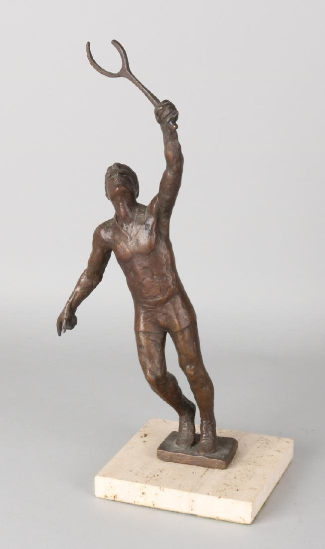 Bronze statue. Tennis player. By Kelsey, 1970. On travetin basement. Size: 37 cm