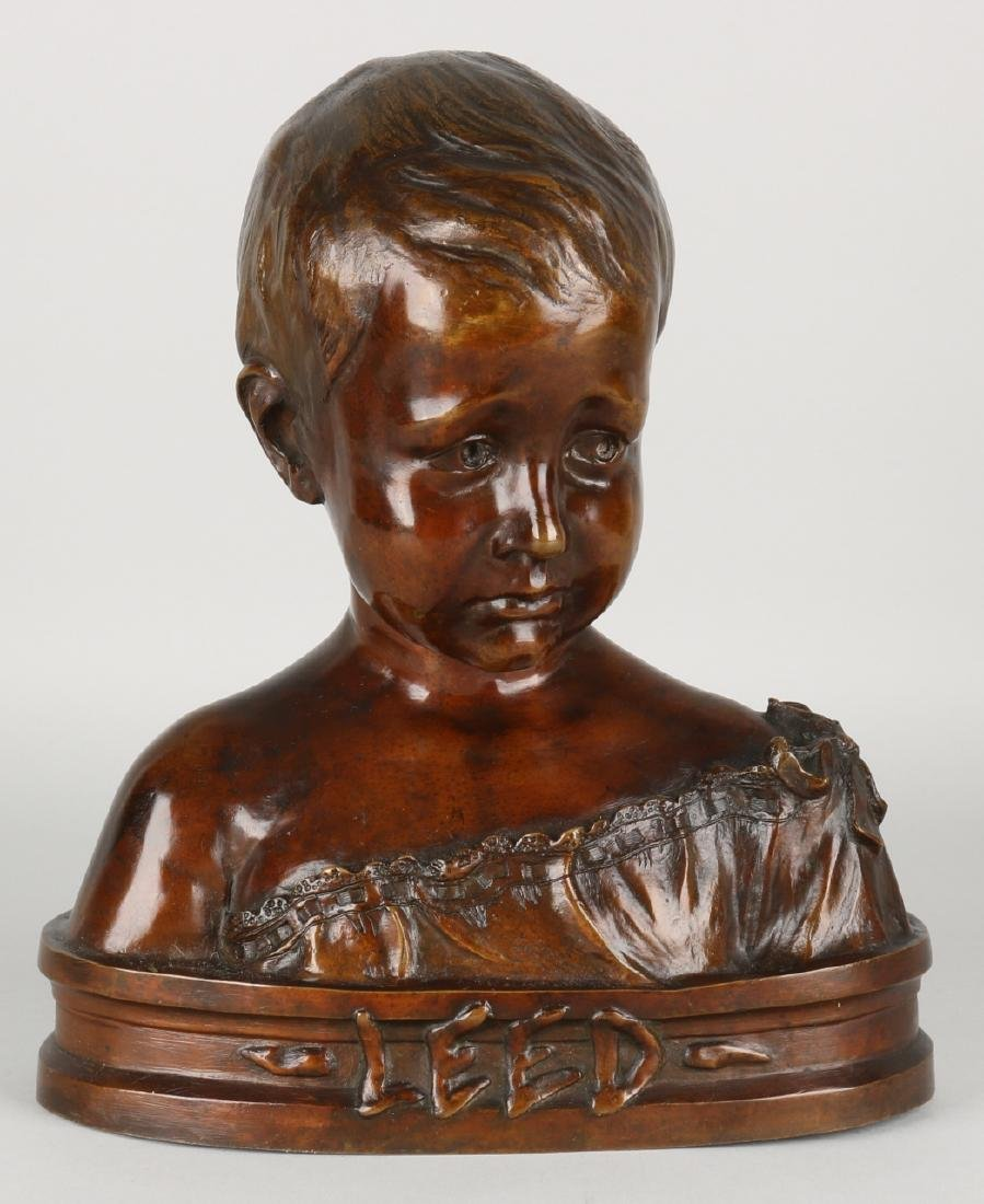 Antique bronze bust by J. Hullebroeck. Title: Leed. Size: 32 x 26 x 12 cm. In go
