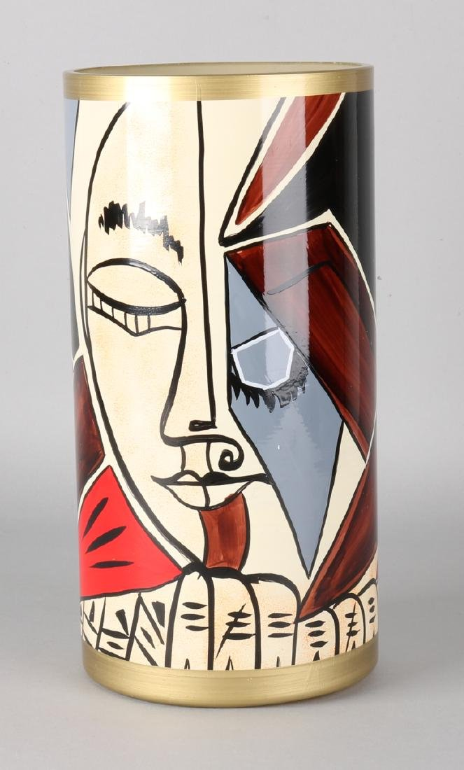 Hand-painted modern glass vase. To Modigliani. No .: 23/25. Size: 30 x 15 cm ø.