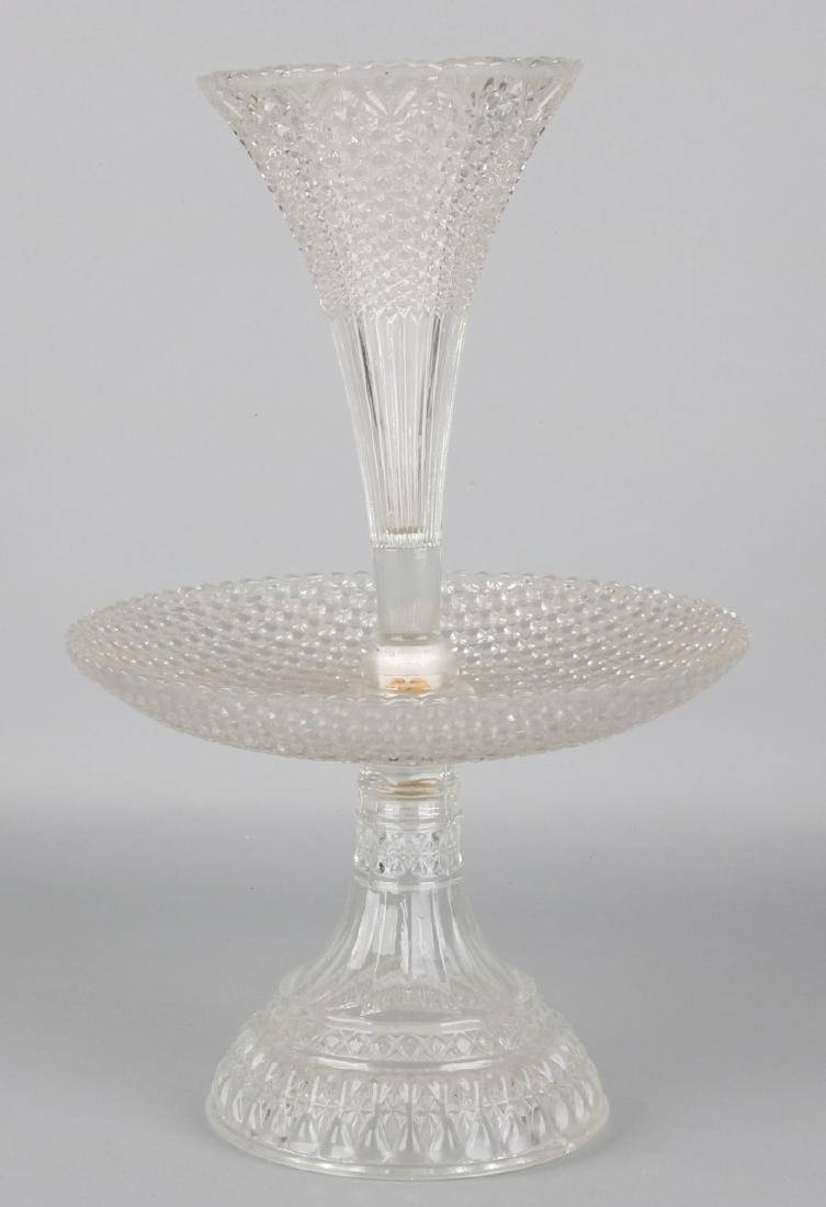 Pre-war three-piece glass table piece. Piece the Environment, with screw thread.