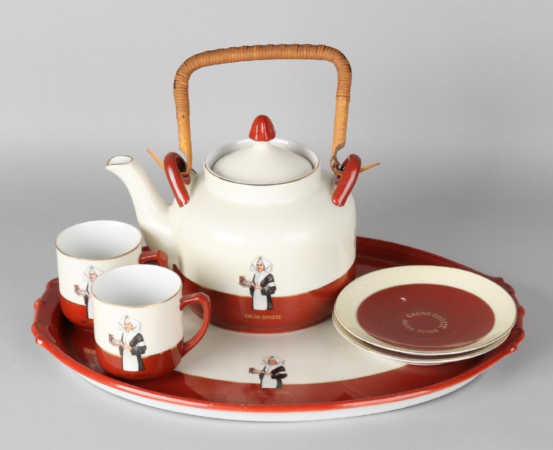 Droste Cocoa porcelain service. Four-piece. 20th century. Size: 7 - 37 cm. In go
